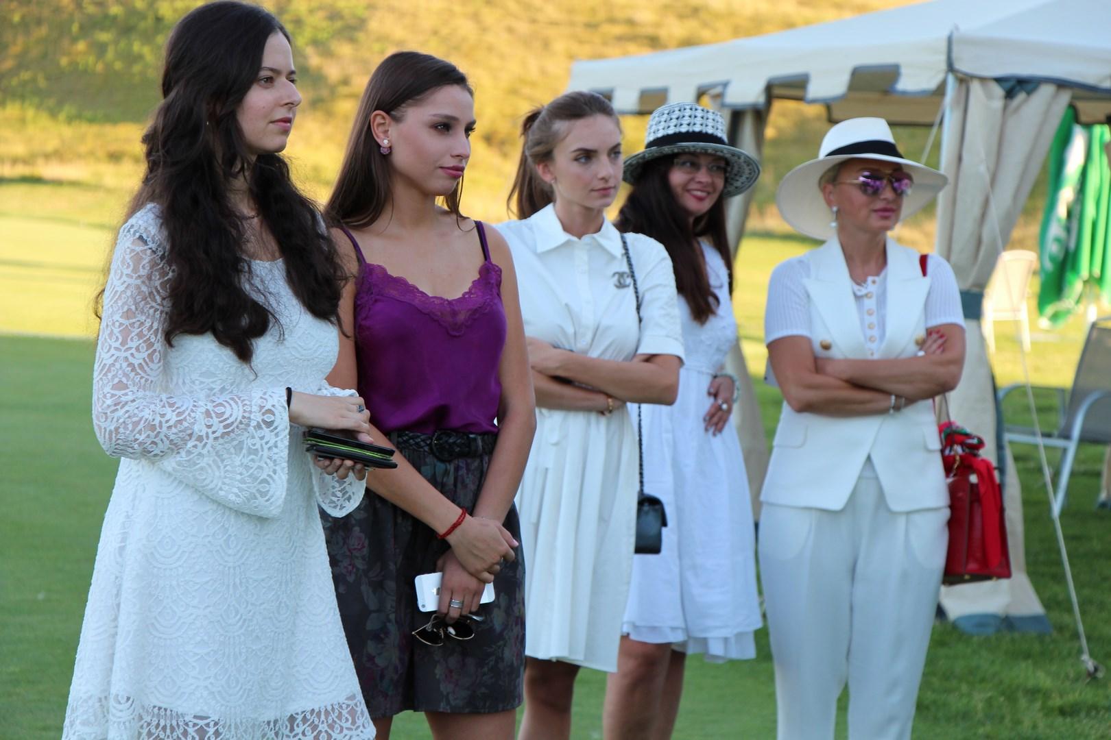 Спортсменки в белых гольфах фото 20 фотография